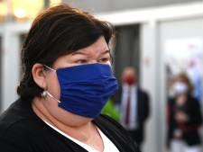 """Maggie De Block soucieuse: """"La mobilité redonne vigueur au virus"""""""