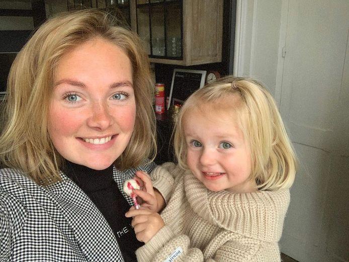 Maxime Meiland met haar dochtertje Claire.