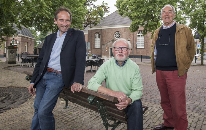 Gezinus Veldman, Jan Kremer en Harm te Winkel zijn betrokken bij de Midzomeravond.