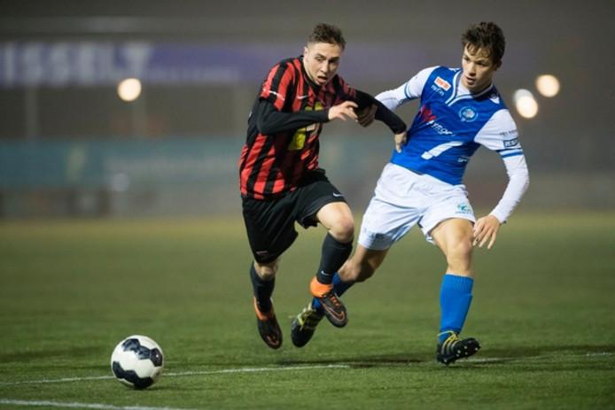 Archieffoto: Jelle de Louw in het shirt van FC Den Bosch (rechts).
