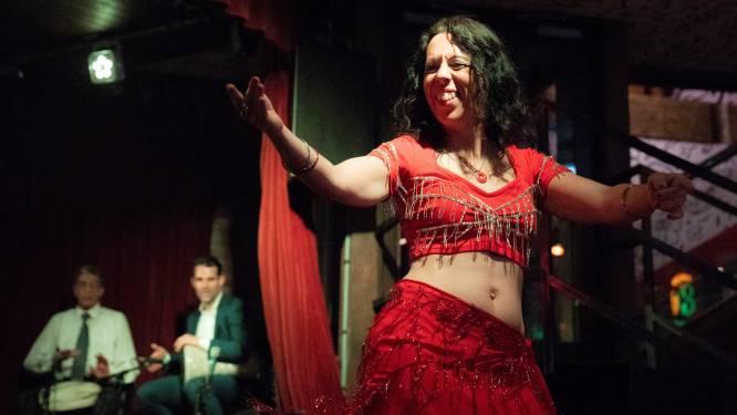 """Buikdanseres Nele Bouve verzorgt act op Kattenkronkels: """"Dansen hielp me gelukkig te worden"""""""