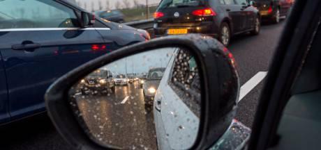 Ongeluk op A28 bij Staphorst, rijstrook enige tijd afgesloten