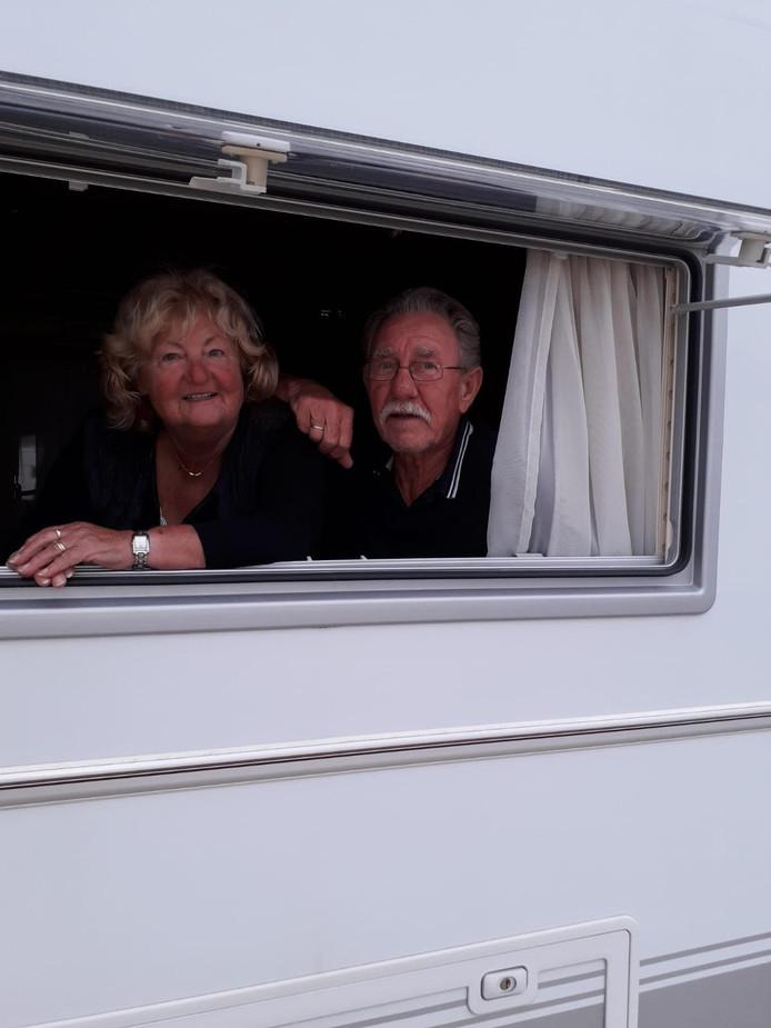 Overwinteraars Rietje en Jos van Hout uit Helmond zitten vast op een camping in het zuiden van Spanje.