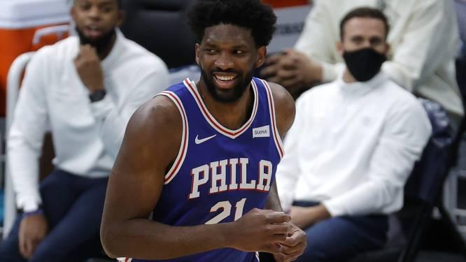 Philadelphia verstevigt leidersplaats met winst in Charlotte