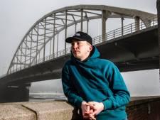 Miljoenen streams en Enzo Knol en Boef als fans: wat is het geheim van rapper Snelle uit Deventer?
