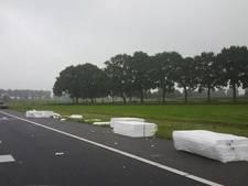 A28 bij Staphorst bezaaid met tempex platen