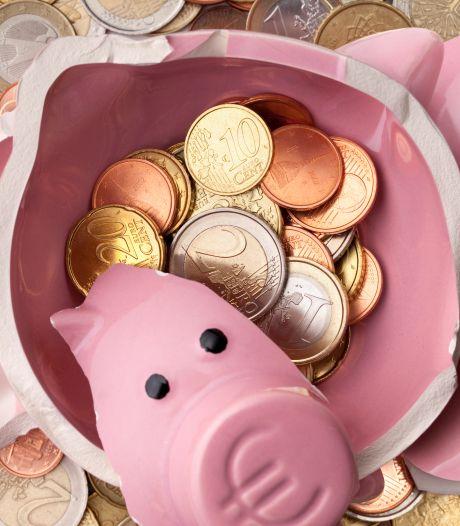 Geld sparen of beleggen? 'Iedereen is druk of te lui om zich er in te verdiepen'