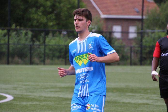 Spits Cédric Van Malcot bood ploegmaat Meeus de 1-0 op een schoteltje aan in de eerste helft.