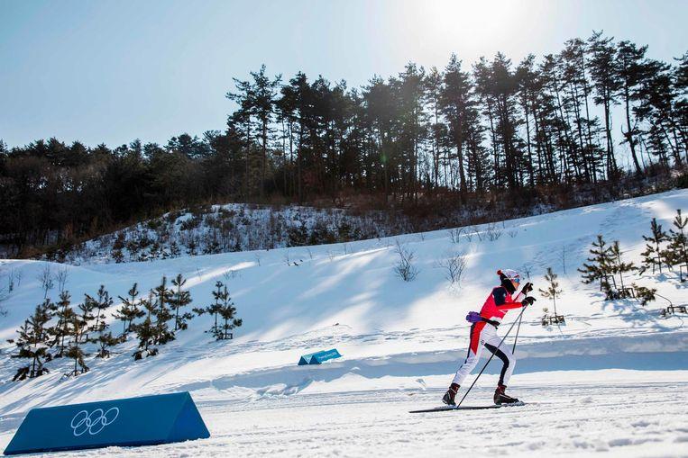 De Noorse Heidi Weng traint in de sneeuw van Zuid-Korea Beeld anp