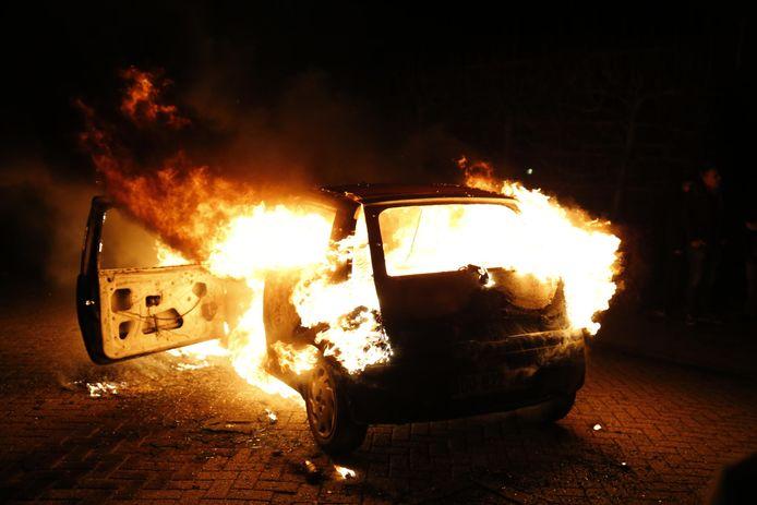 Wederom een autobrand in Veen. Dit keer op de Witboomstraat.