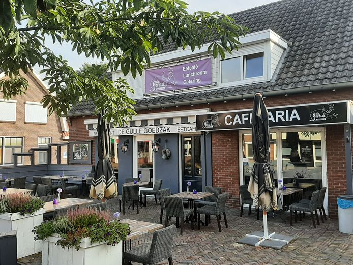 De Gulle Goedzak aan de Dorpsstraat in Hellendoorn is verkocht en heeft vanaf 1 november nieuwe eigenaren.