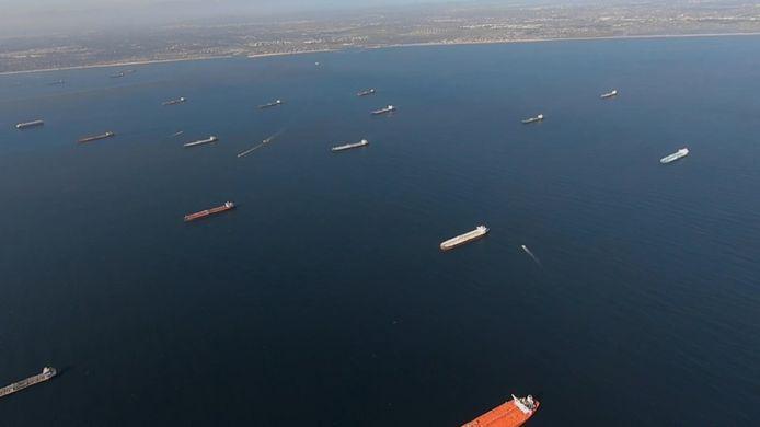 Des pétroliers sans destination coincés au large de la Californie.