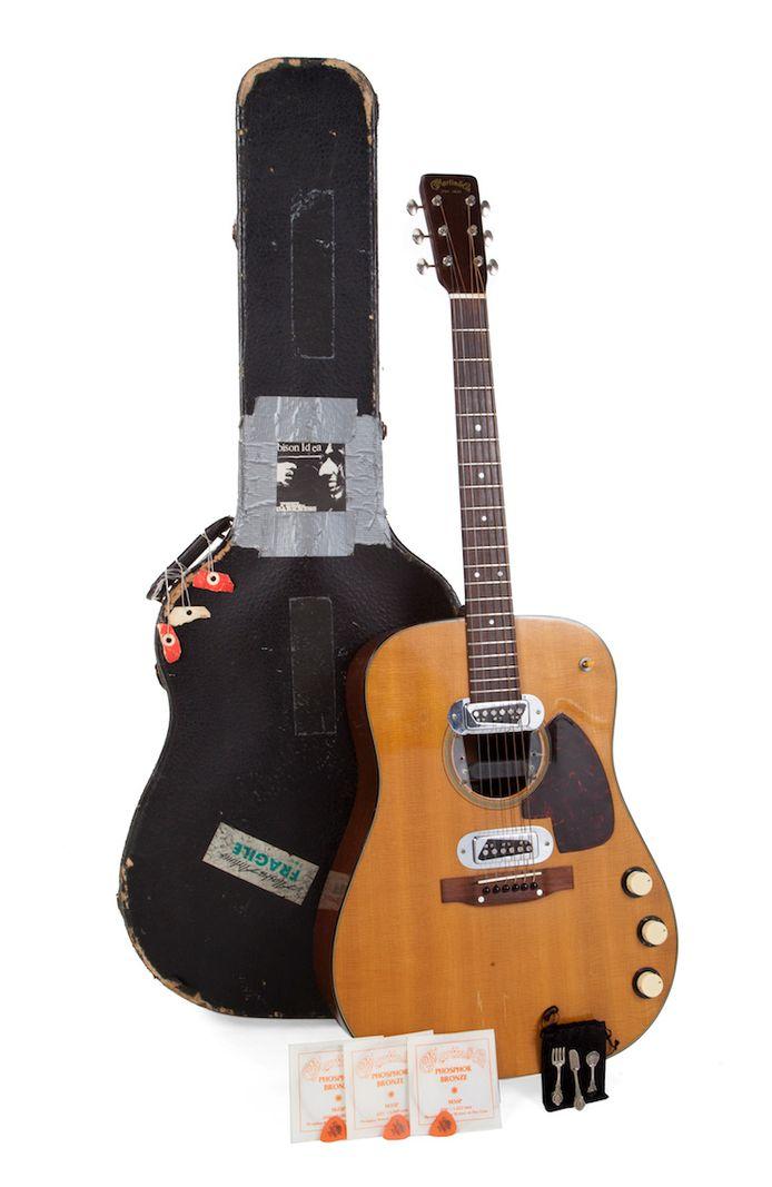 De 1959 Martin D-18E akoestische gitaar van Cobain