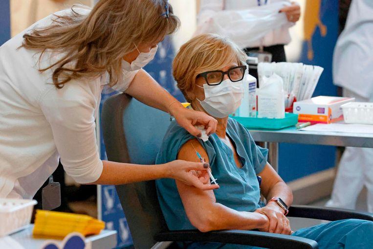 Israël is afgelopen weekend begonnen met vaccineren.  Beeld AFP