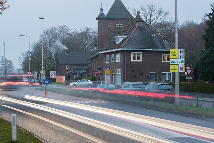 Plaatselijk Belang Mariënheem laat Veilig Verkeer Nederland studeren op de effecten voor de omgeving van zowel de voorgenomen maatregelen van Rijkswaterstaat als haar eigen alternatieve plan.