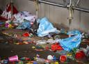 Achtergelaten afval na een illegaal feest. Ook in de regio IJsselland worden ze gehouden.