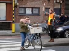 """Zo wil Brugge vrachtwagens uit schoolbuurt weren: """"Maar een verbod komt er alleszins niet"""""""