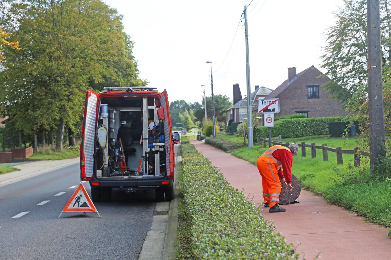 Een gespecialiseerd aannemer is begonen met het inspecteren van de riolering in de Brusselstraat.
