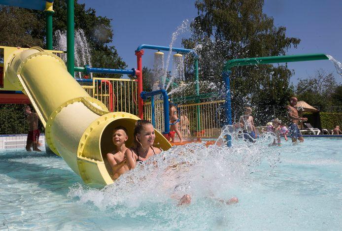Het zwembad van vakantiepark Marveld in Groenlo in de zomer van 2019.