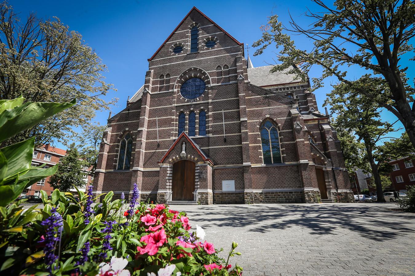 Archiefbeeld van de Sint-Hubertuskerk in Runkst.