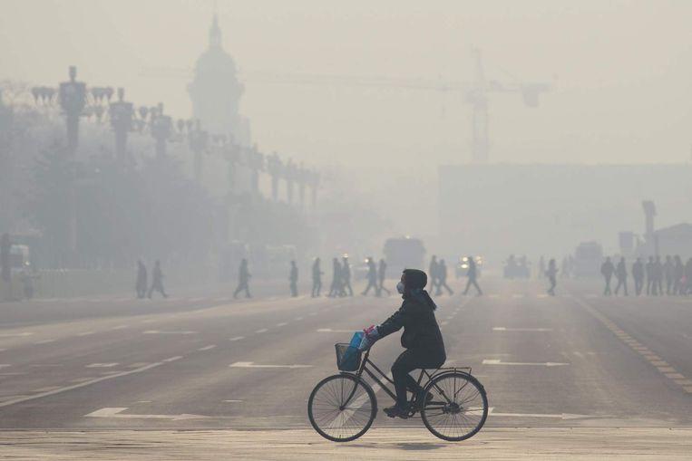 De luchtvervuiling kost jaarlijks het leven aan 1,4 miljoen Chinezen. Beeld afp