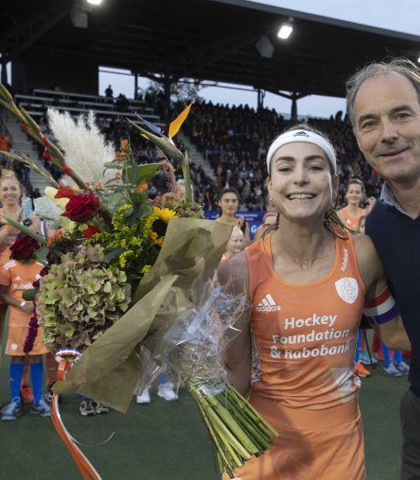 Nederlandse hockeysters kloppen België in jubileumduel Eva de Goede
