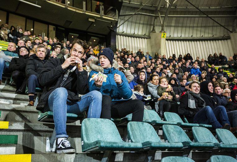 Op de tribune tijdens ADO- Willem II. Beeld Jiri Buller