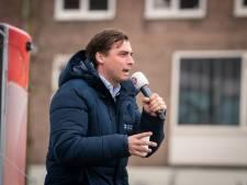 Baudet spreekt in Arnhem voor zo'n 200 aanhangers en veel agenten: 'Vind het echt verbijsterend'