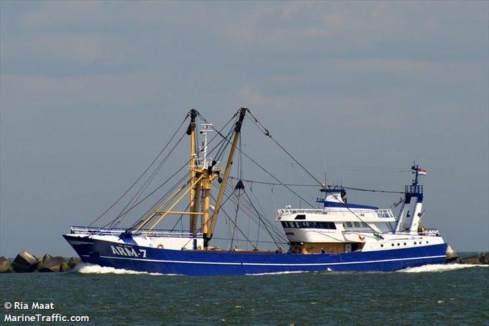 De ARM-7 Jan Senior, het visserschip dat de Nemo Link ernstig beschadigde.