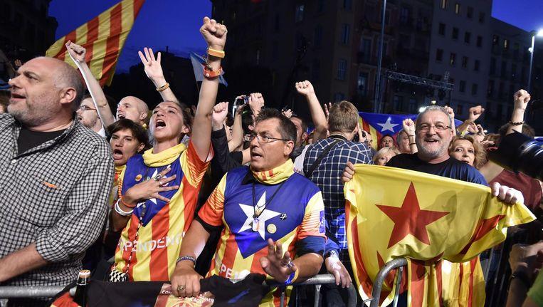 Voorstanders van het Catalaanse referendum komen samen bij de regionale verkiezingen eind 2015. Beeld afp