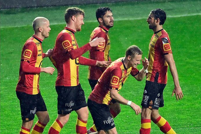 Vreugde bij enkele spelers van KV Mechelen, dat zijn licentie voor het seizoen 2021-2022 beet heeft.