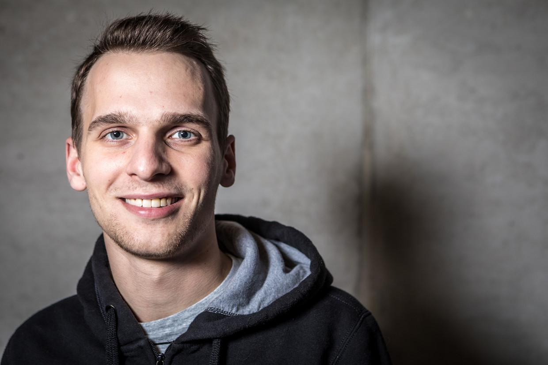 Ethisch hacker Inti De Ceukelaire wijst Facebook met de vinger: 'Ze zijn medeplichtig'. Beeld Jan Aelberts