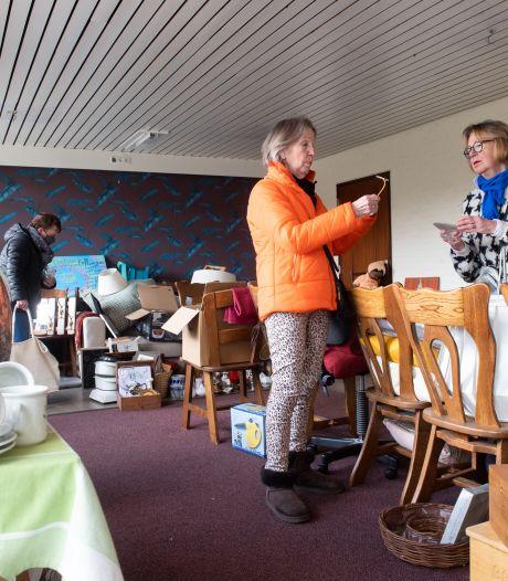 Kringloopwinkel van stichting Kenia Project in Prinsenbeek pakt de verhuisdozen weer in
