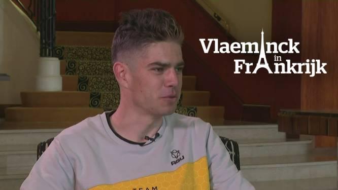 """Wout van Aert moet vrouw en kind deze zomer zes weken missen: """"Opofferingen die je als topsporter moet maken"""""""