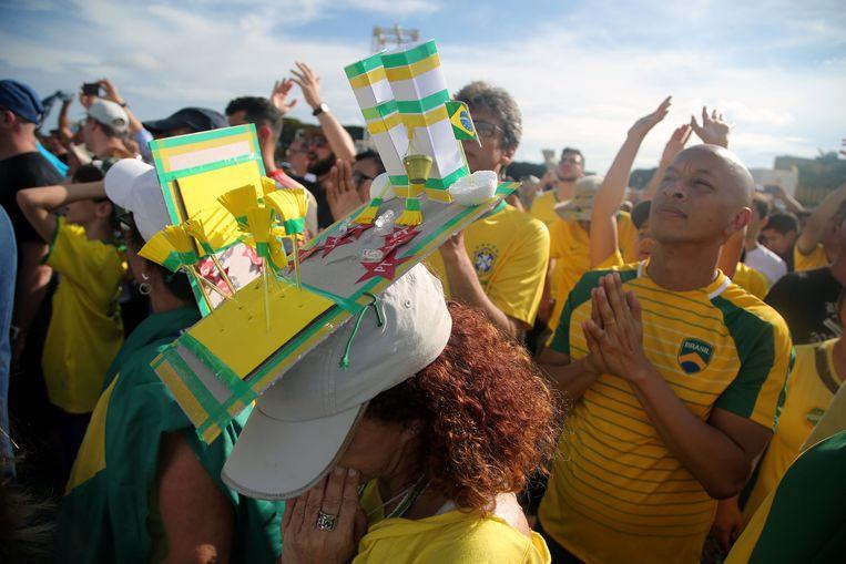 De aanhangers van Bolsonaro waren met 100.000, voor de eedaflegging. Beeld REUTERS