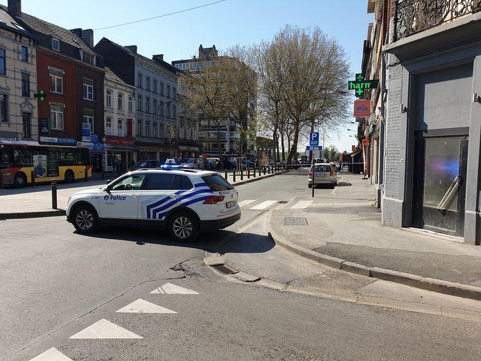 La police de Charleroi a bouclé une partie du Boulevard Jacques Bertrand suite à une nouvelle agression