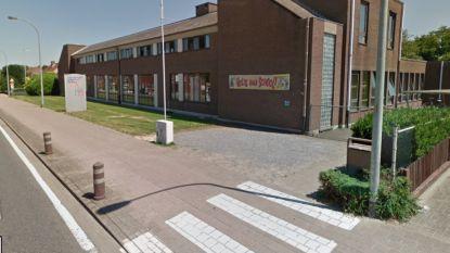 Buikgriep slaat toe in basisschool, directie waarschuwt ouders