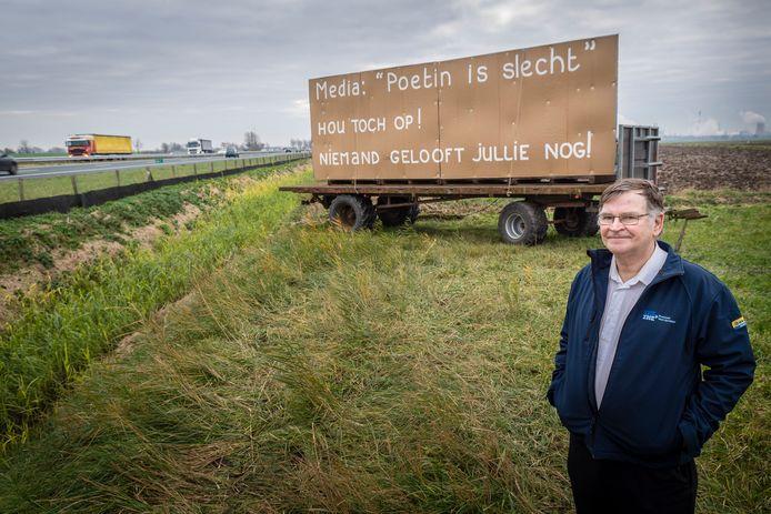 Bioboer Hugo Jansen uit Ossendrecht vindt dat een pro-Russisch geluid ontbreekt in het publieke debat, neemt het met billboards langs de A4 op voor president Poetin en ziet Amerika als grootste agressor in de wereld.