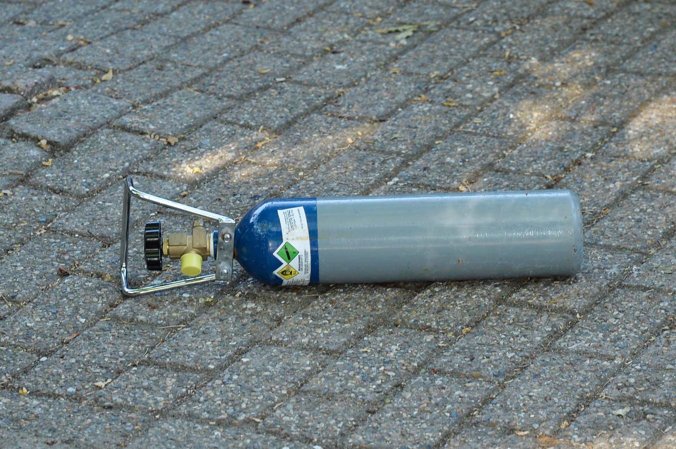 Een container met lachgas die in Breda is aangetroffen.
