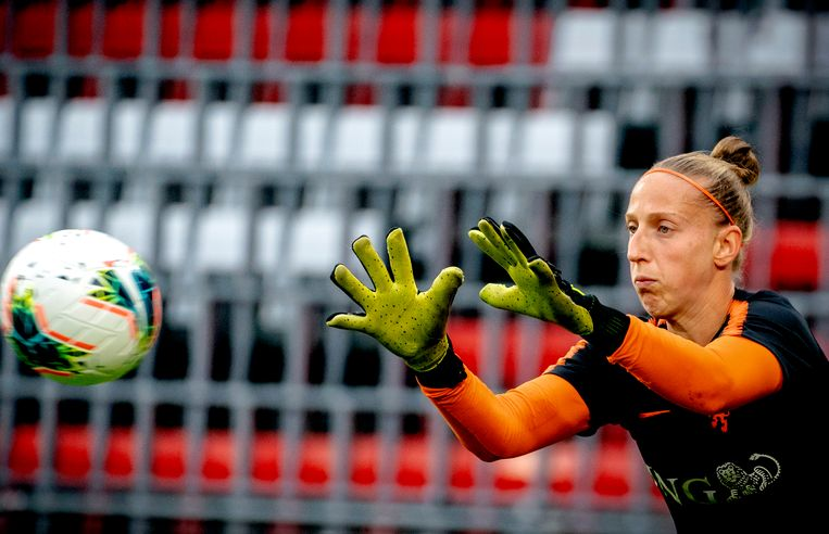 Keepster Sari Van Veenendaal kiest voor PSV