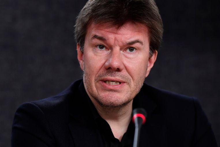 Indien de tv-zenders en distributeurs zelf geen oplossing vinden voor het uitgesteld kijken, wil minister van Media Sven Gatz (Open VLD) zelf ingrijpen en het doorspoelen van reclame verbieden.