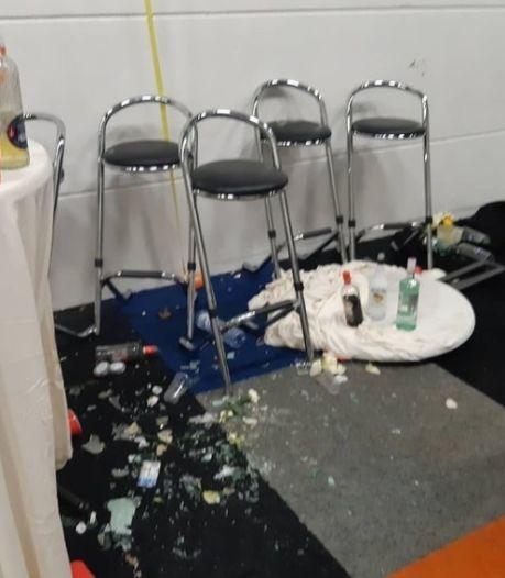 Tientallen aanhoudingen na illegaal feest in loods: 'Huurder zei dat ze er een kinderfeestje wilden geven'