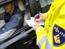 Automobilist rijdt met 196 km/u langs politiecontrole