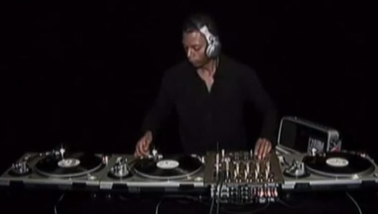 DJ Jeff Mills. Beeld Screenshot YouTube