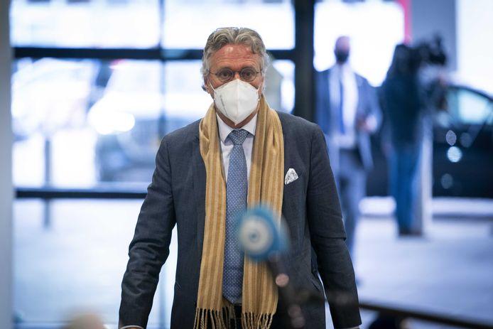 Burgemeester John Jorritsma van Eindhoven arriveert maandag bij het Veiligheidsberaad.