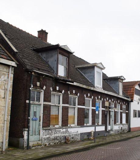 Krakers hoeven voorlopig woningen aan Langelermaatweg in Hengelo niet uit