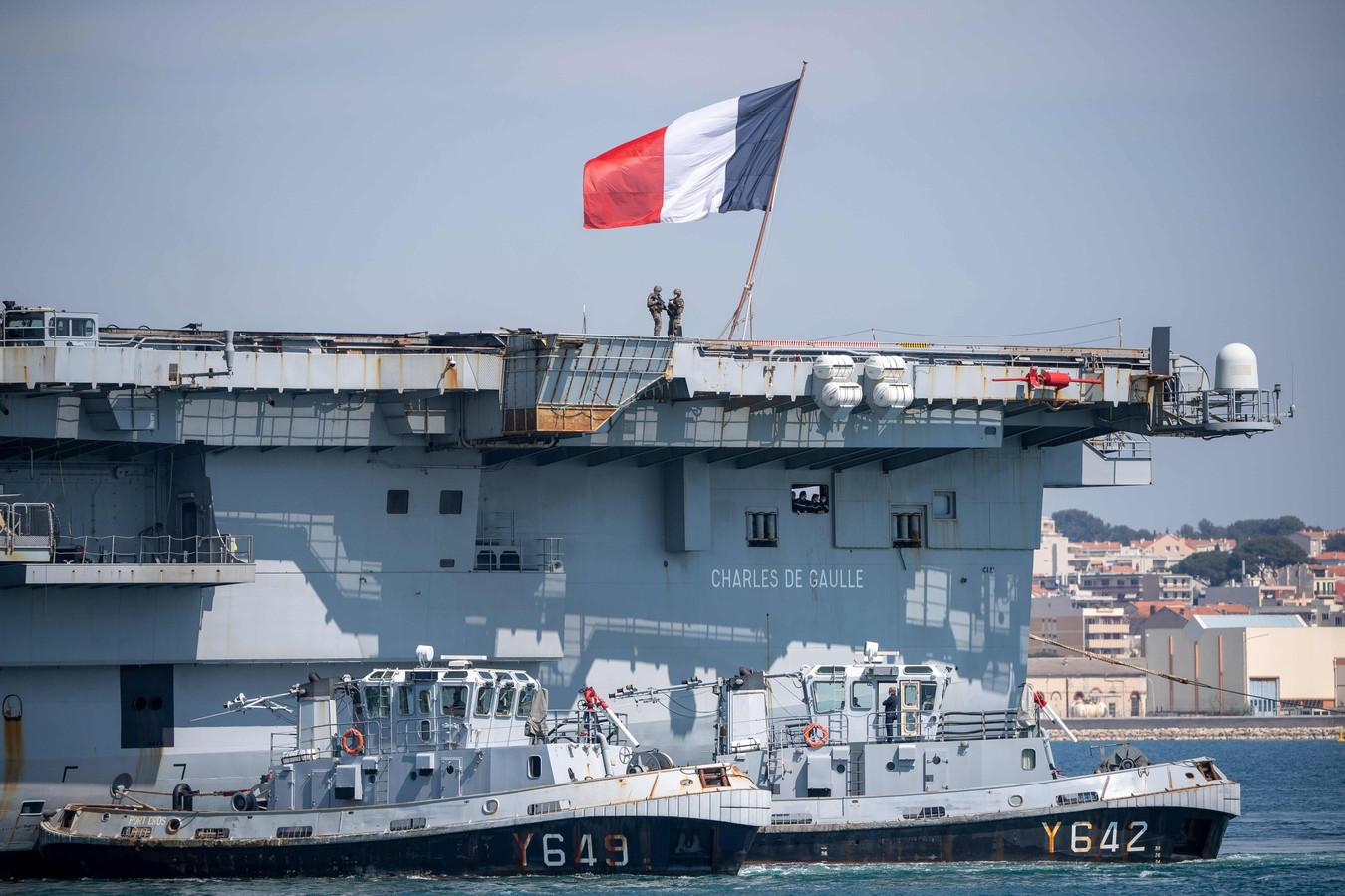 Een derde van de bemanning van het Franse vliegdekschip Charles de Gaulle is besmet met Covid-19.
