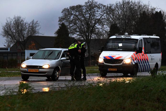 Controle op de Katwijkseweg ter hoogte van het Nieuwe Merletcollege.