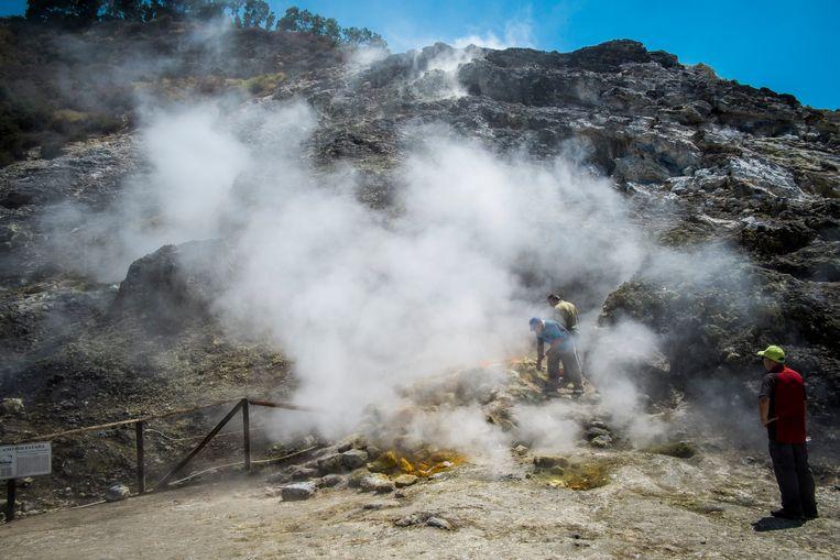 Monstervulkaan bij Napels maakt zich op voor mega-uitbarsting