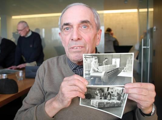Lucien Van Hove met foto's van zichzelf als jonge werknemer bij Niko in de jaren vijftig.